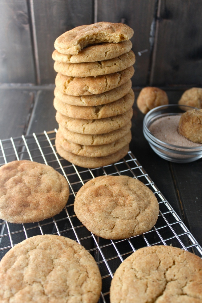 These Brown Butter Snickerdoodles are loaded with cinnamon - my new favorite cookie for the holiday season! | The Millennial Cook #cookies #snickerdoodles #brownbutter #cinnamon