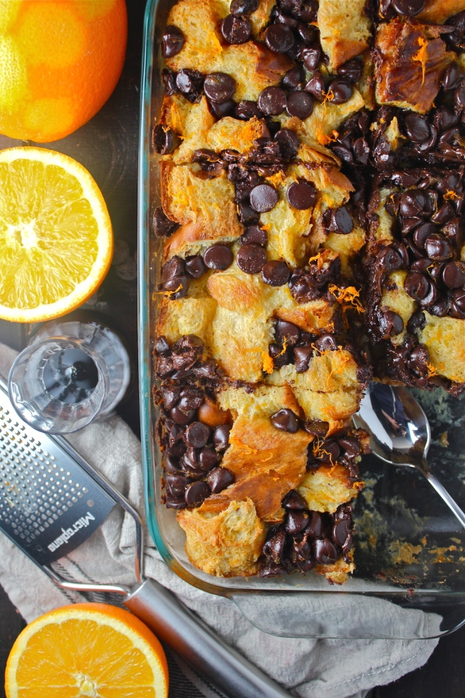 This Chocolate Orange Bread Pudding is rich, creamy, sweet, and perfectly decadent! | The Millennial Cook #winterrecipe #chocolate #orange #breadpudding