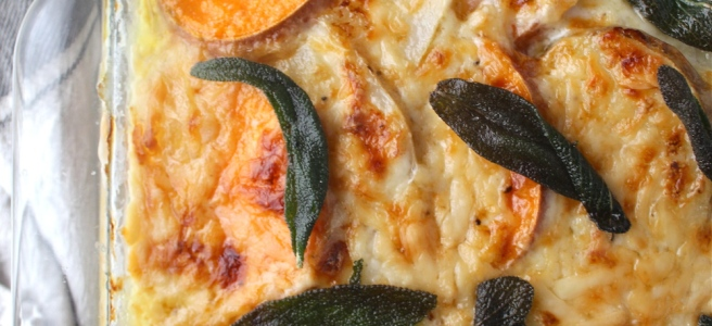 These Scalloped Potatoes are loaded with cheddar cheese and an amazingly rich and creamy sauce! | The Millennial Cook #winterrecipe #potatoes #scallopedpotatoes #sidedish