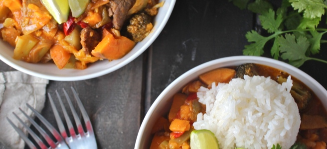 This Red Thai Beef Curry is an easy savory and delicious version of one of my favorite restaurant dishes! | The Millennial Cook #thaifood #curry #thaicurry #asian