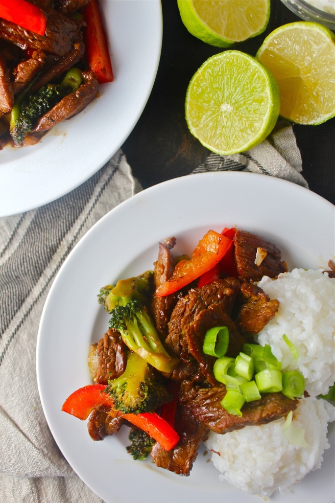 This Beef & Broccoli Stir Fry is ready in a matter of minutes for the perfect filling and delicious weeknight dinner! | The Millennial Cook #easydinner #stirfry #beef #broccoli