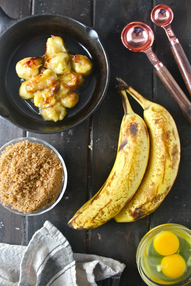 This Caramelized Banana Bread is stuffed with sweet, caramelized bananas for a fun and delicious update on the breakfast classic! | The Millennial Cook #breakfast #brunch #banana #bananabread