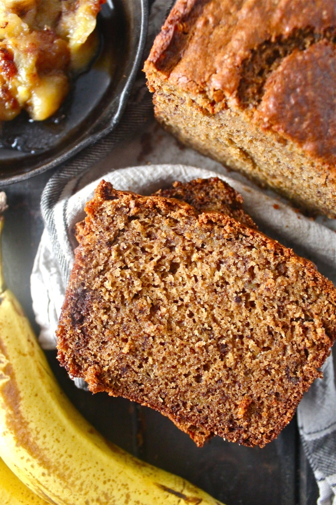 This Caramelized Banana Bread is stuffed with sweet, caramelized bananas for a fun and delicious update on the breakfast classic!   The Millennial Cook #breakfast #brunch #banana #bananabread