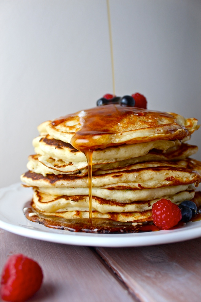 These Perfect Buttermilk Pancakes are so light and fluffy - seriously a go-to in my house! | The Millennial Cook #breakfast #brunch #pancakes #buttermilkpancakes