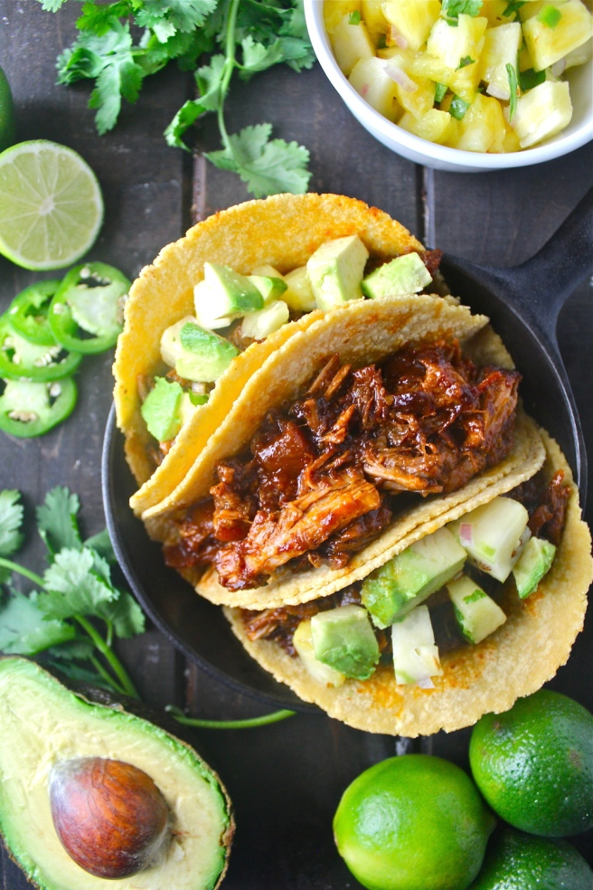 This Pineapple Pulled Pork is flavored with barbecue sauce and diced pineapple - so hearty and delicious! | The Millennial Cook #pork #pulledpork #pineapple #tacos