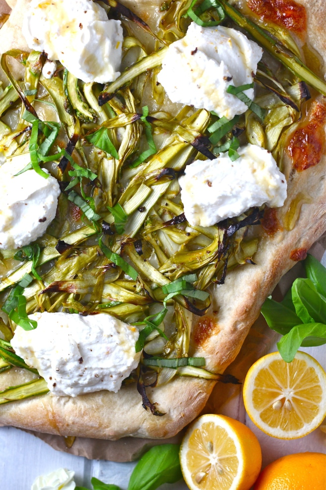 This Asparagus & Ricotta Flatbread is light, fresh, tangy, sweet, and creamy! | The Millennial Cook #springrecipe #pizza #asparagus #lemon #ricotta
