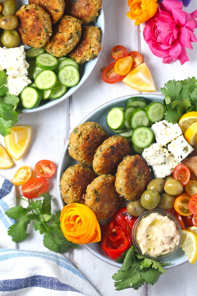 These Easy Vegan Falafel are loaded with hearty chickpeas, nutty sesame seeds, and plenty of flavorful spices! | The Millennial Cook #vegetarian #vegan #falafel #chickpeas