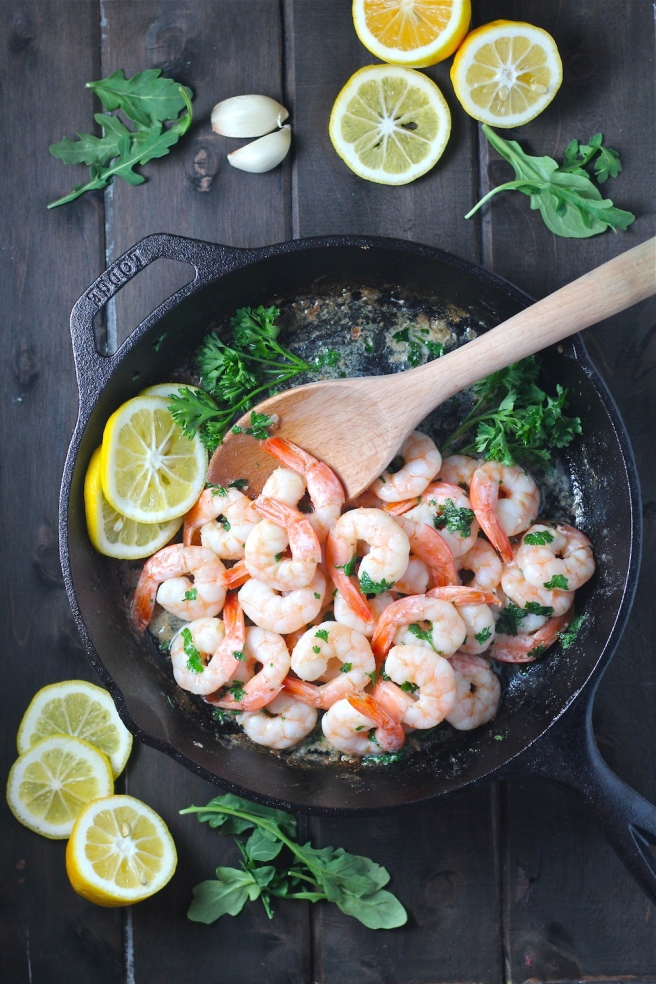 This Garlic Lemon Butter Shrimp is a simple yet decadent ten minute dinner! | The Millennial Cook #shrimp #seafood #garlic #lemon